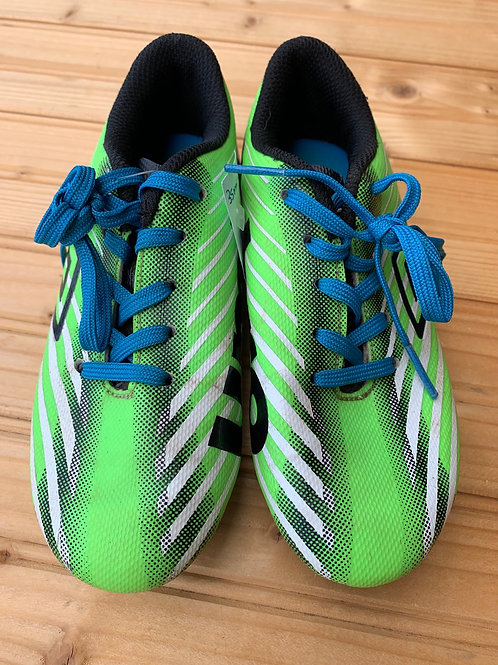 Size 12 Kids UMBRO Green and Blue Soccer Cleats top