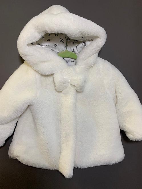Size 18m Plush White Faux Fur Coat