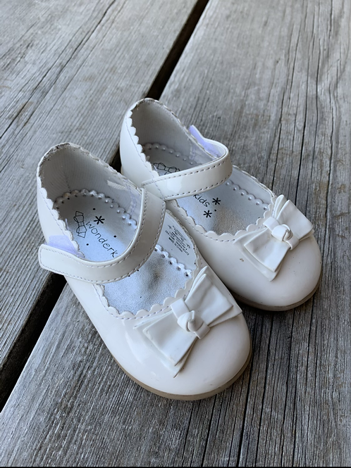 Size 5 Toddler WONDER KIDS White Mary Janes