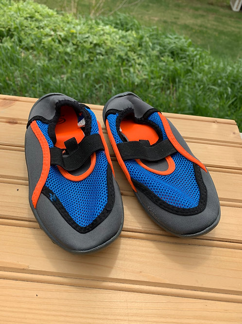 Size 11/12 Kids Blue and Orange Water Shoes