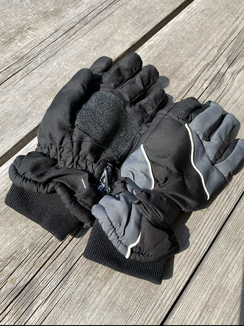 Size TEENS THINSULATE Black Water Proof Gloves, Used