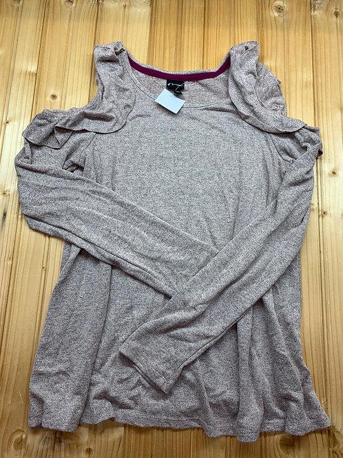 Size 10/12 Cutout Shirt