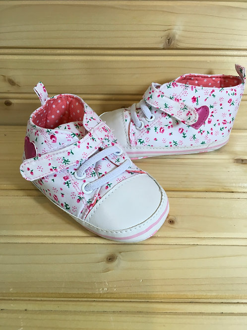 Size 3 Baby Pink Fabric Shoes