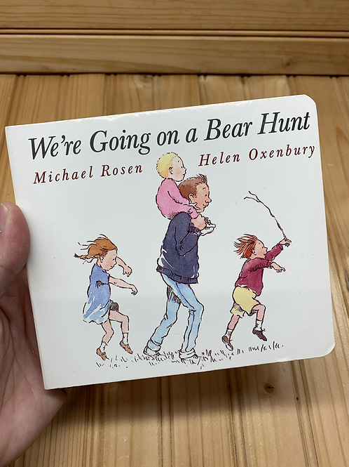 WE'RE GOING ON A BEAR HUNT, Used Board Book
