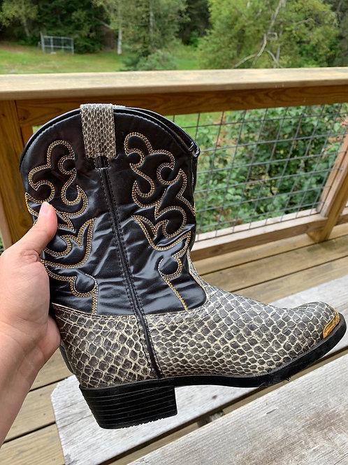 Size 2.5 SMOKY MOUNTAIN Cowboy Boot