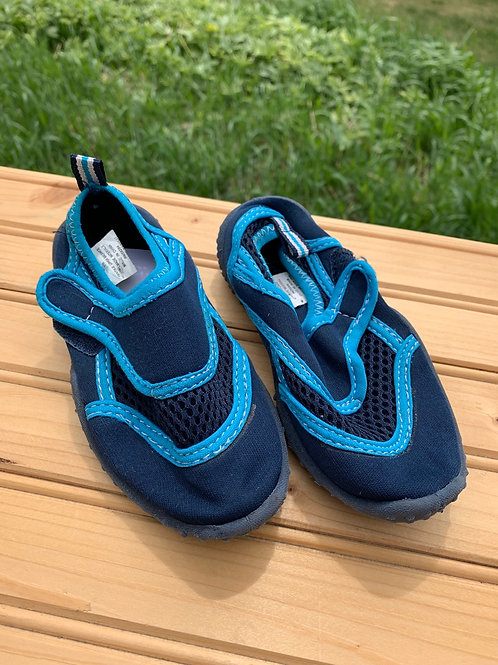 Size 7/8 Toddler Blue Water Shoes