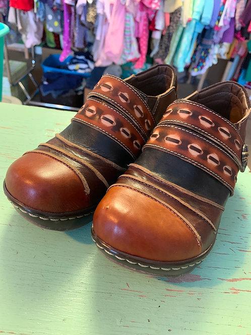 Size 37eu L'ARTISTE Spring Step Clogs