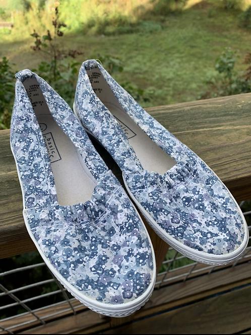 Size 7 Women Blue Grey Flats
