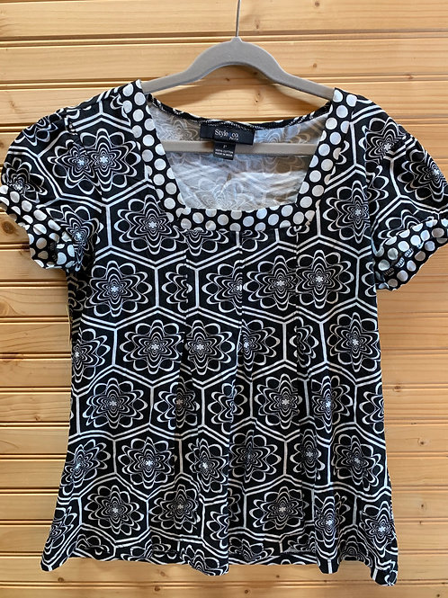 Size Petite STYLE & CO Black and White Top, Used
