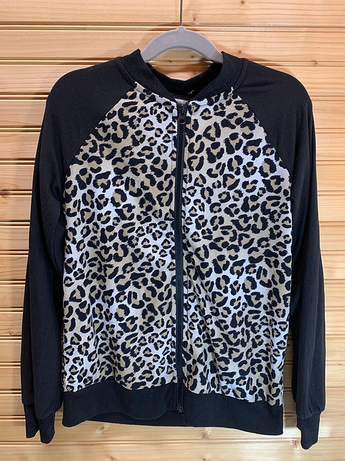 Size 7/8 Stretchy Leopard Top