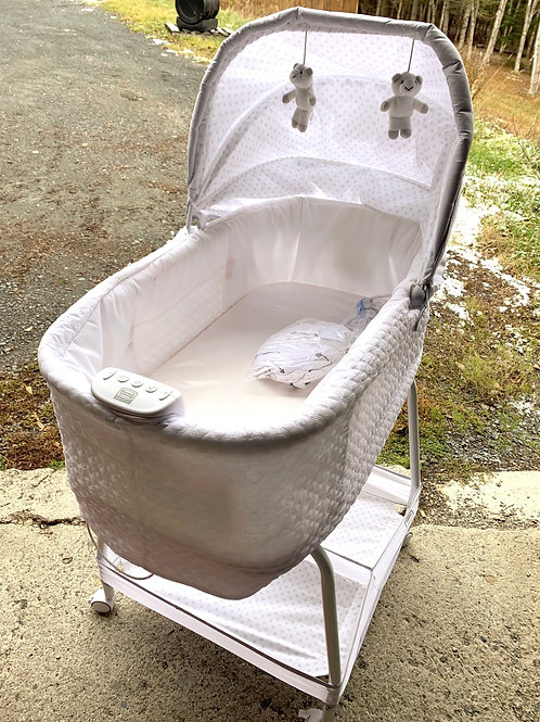 SIMMONS Auto Glide Bassinet