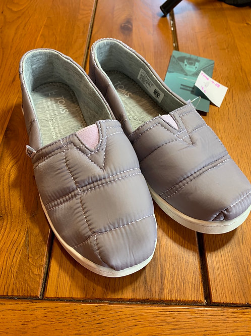 Size 1 Youth TOMS Lavender Quilted Shoe
