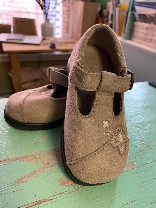 7 Toddler Tan Suede Shoes with Pink Flowers