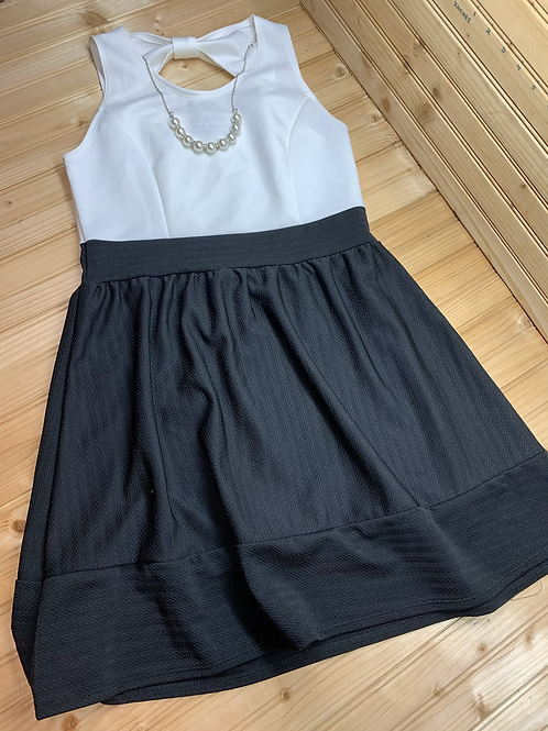 Size 16Y PINK CRUSH Black and White Dress