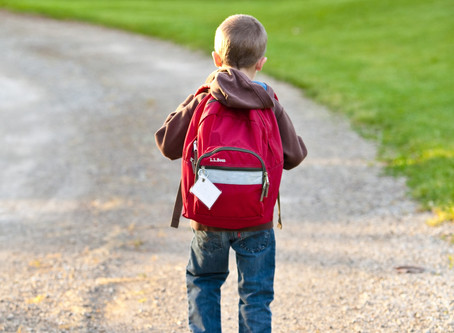 How much should a backpack weigh?