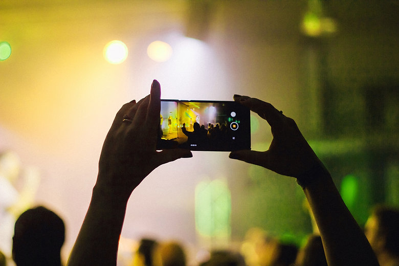 Concert Clip
