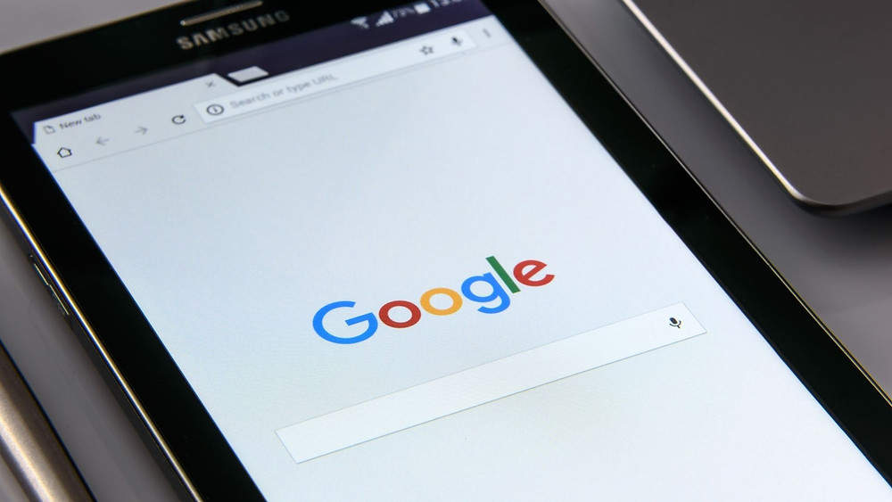 Picture of google's search engine.