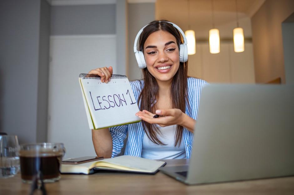 Online tutor side hustle