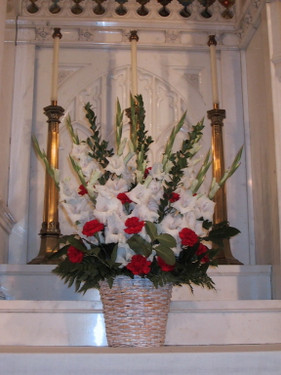 white-glads-and-red-roses.jpg