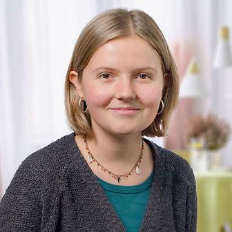 Elena Pare, Lehrperson