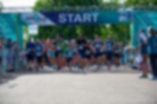 5k start runners.jpg