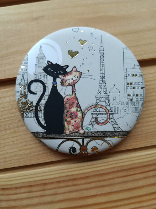 Two Cats Round Magnet