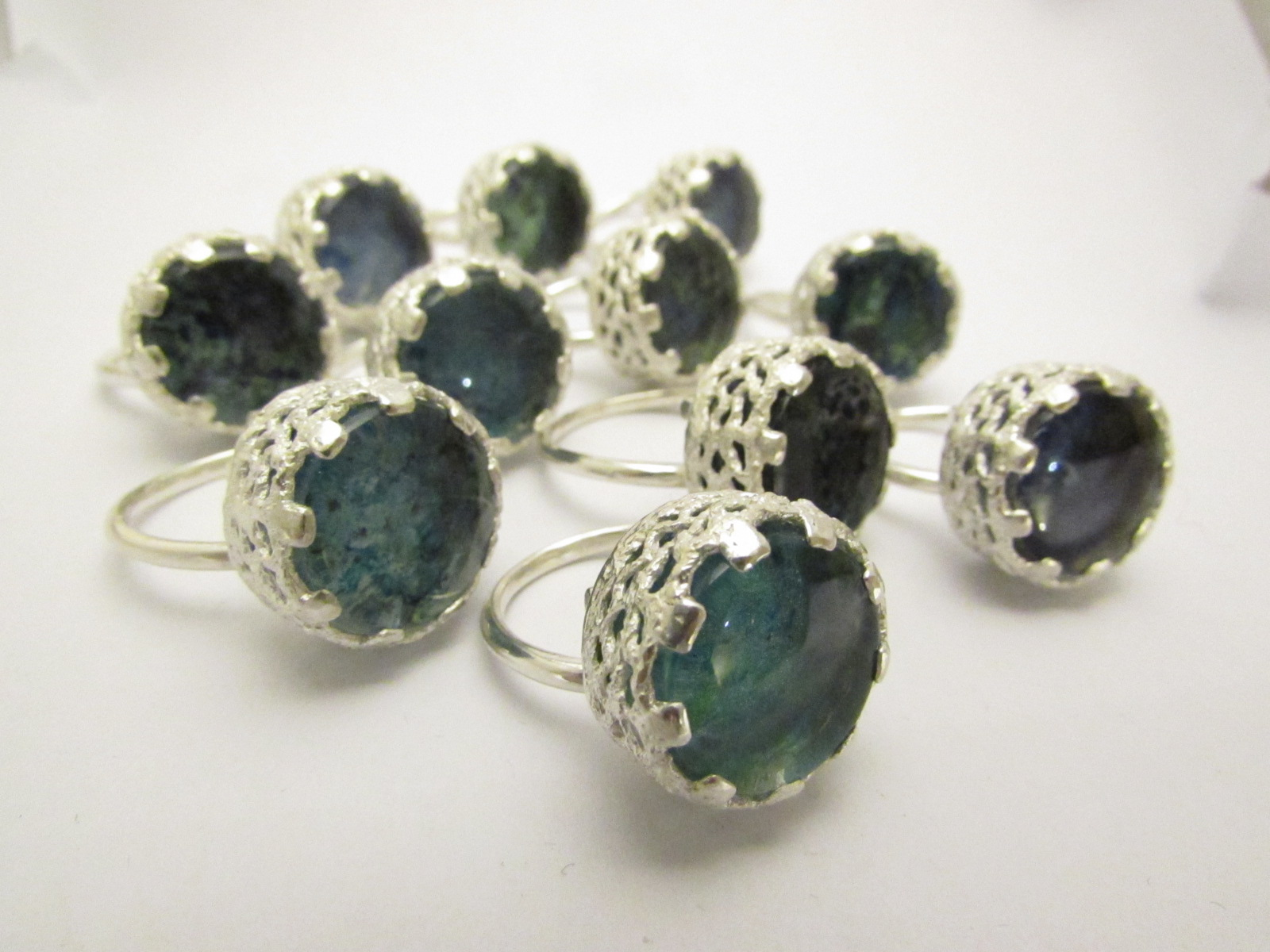 """Spring Water"" Glass-set Ring"