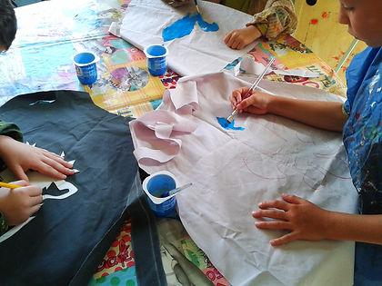 Costumes tissus et acrylique