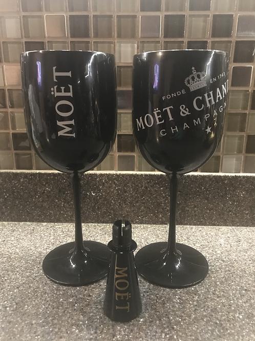MOET & CHANDON CHAMPAGNE 🍾 2 BLACK PLASTIC CHALLIS & 1 BLACK WINE STOPPER