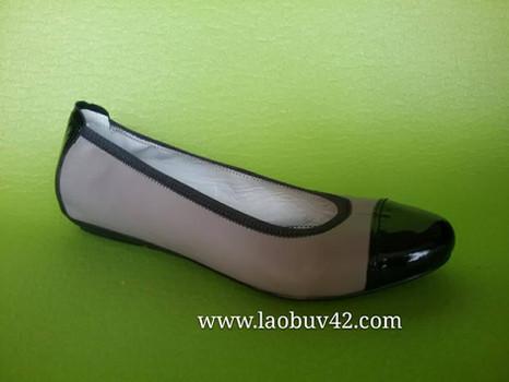 Как Шанель cделала женскую обувь большого размера миниатюрной.