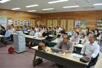 二本松(復興への取り組み視察) 里山再生と災害復興プログラムの説明を聞く