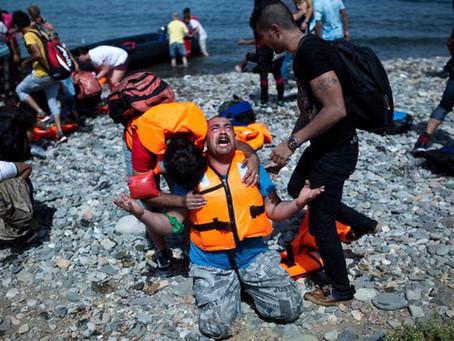 Turkish coastguard fires on refugees in international waters