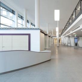 Josef-Hospital-Bochum-Eingangshalle-02
