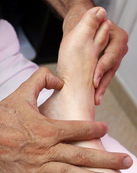 foot-reflexology-3781151_1920.jpg