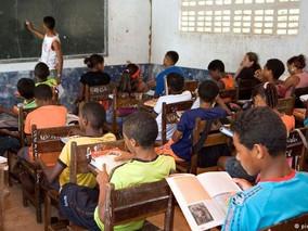 Quais as consequências da terceirização para a educação?
