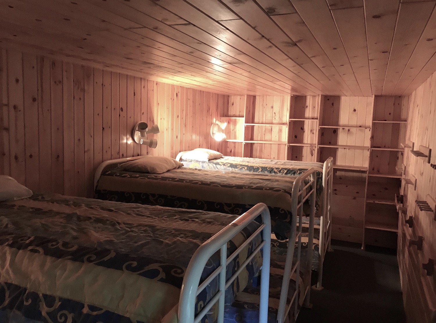 Black Bear Lodge Bunk Room