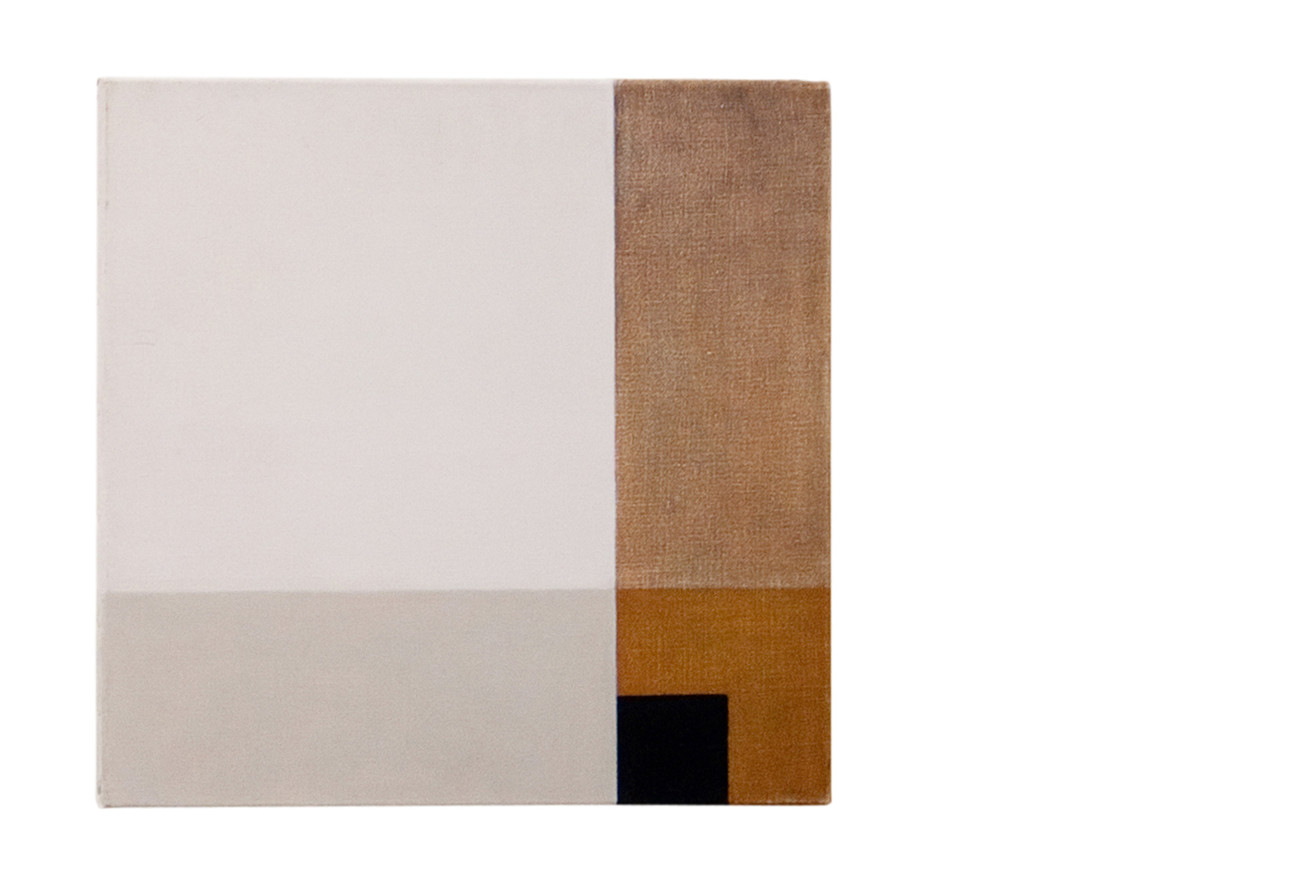 White cloth on brown table