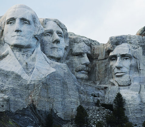 MOUNT RUSHMORE CANDLE