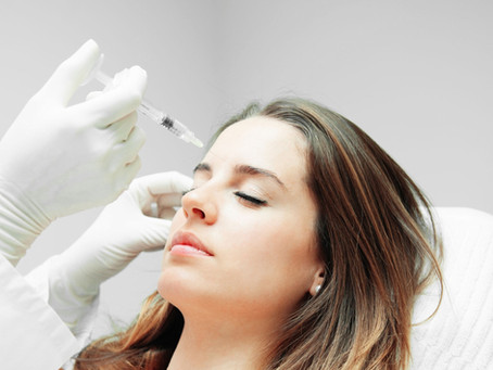 At What Age Should I Start Getting Neurotoxin Injections? When Should I Get Filler?