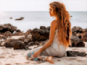 girl_beach_stachelfrei_salzburg.jpg