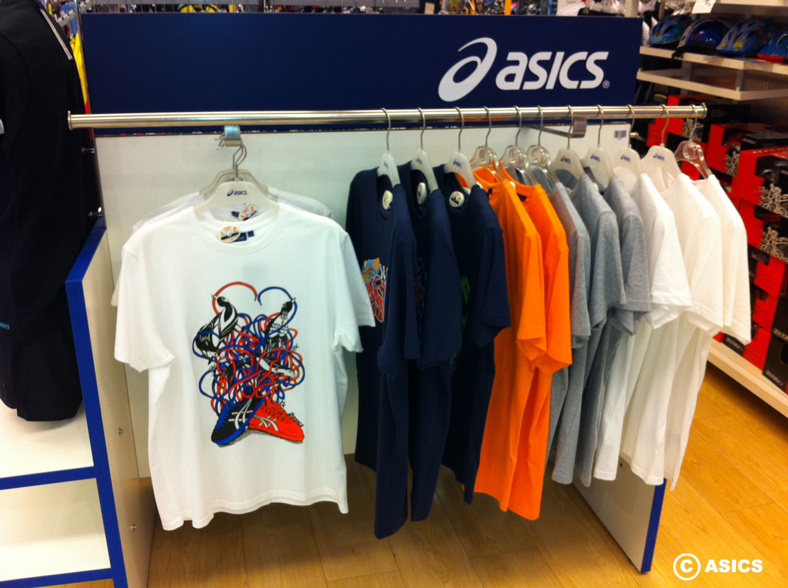 asics-display2.jpg