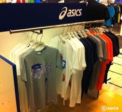 asics-display3.jpg