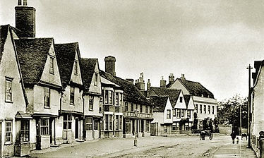 The property in the foreground on the left hand side is no. 75, for many years a boot and shoe shop, it served as the first post-office, letters received through Braintree at 8 a.m.; dispatched at ½ past 6 p.m. © Braintree District Museum – Alf Whybrow Collection.