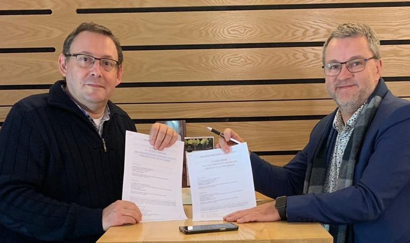 Signature d'un partenariat fort dans la Gouvernance numérique
