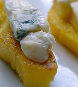 Polenta grigliata al formaggio