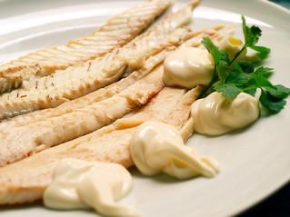 Il classico della Vigilia: sogliola bollita con maionese fatta in casa