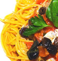 Spaghetti di Gragnano con spigola e olive taggiasche