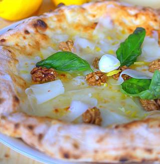 Una pizza con i profumi di Sorrento