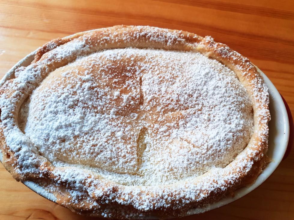 Tortina chiusa di crema e mele