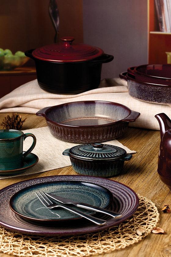 Asian inspired Dinnerware set